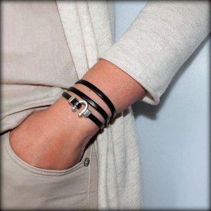 Bracelet cuir femme 3 tours petit Fer à Cheval noir 1