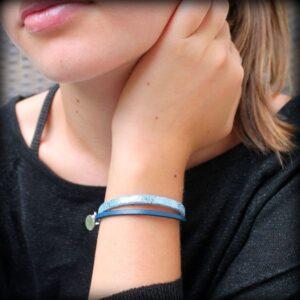 bracelet enfant fille cuir bleu pailleté argenté Topaze 2